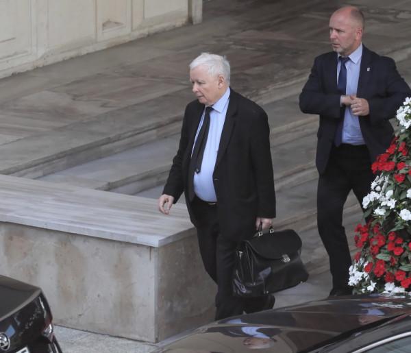 Nagłe oświadczenie prezesa Kaczyńskiego! Wskazał źródło ataków-980