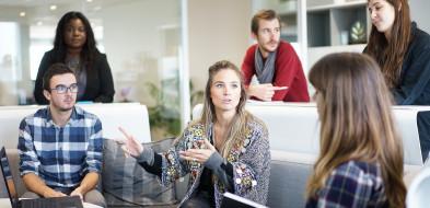 Kto jest obecnie najbardziej poszukiwany na rynku pracy ?-991